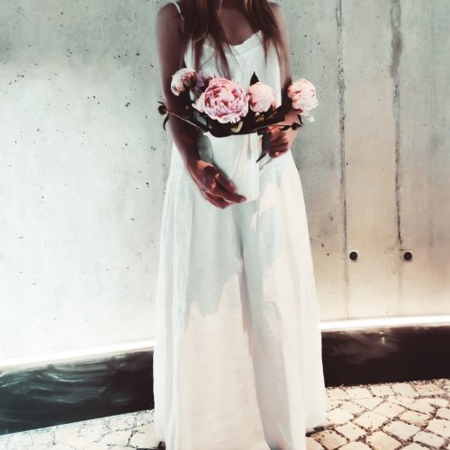A white Dress and some Flowers